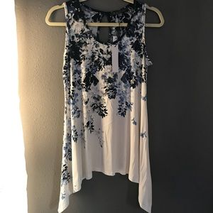 NWT Blue floral tank with detailed hem
